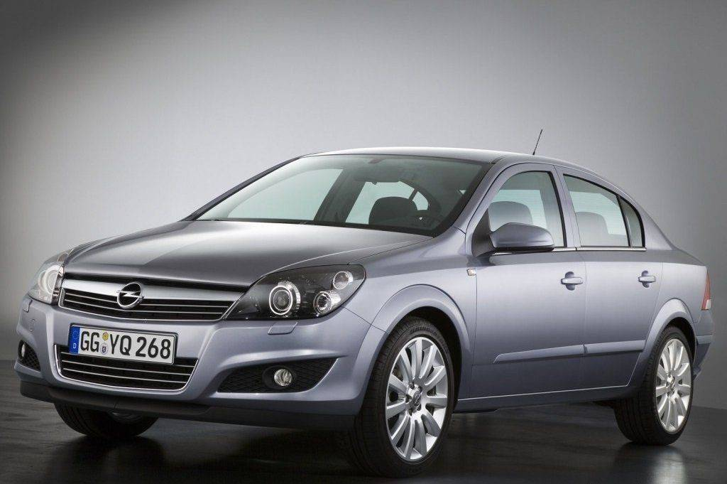 Opel Astra Family Sedan